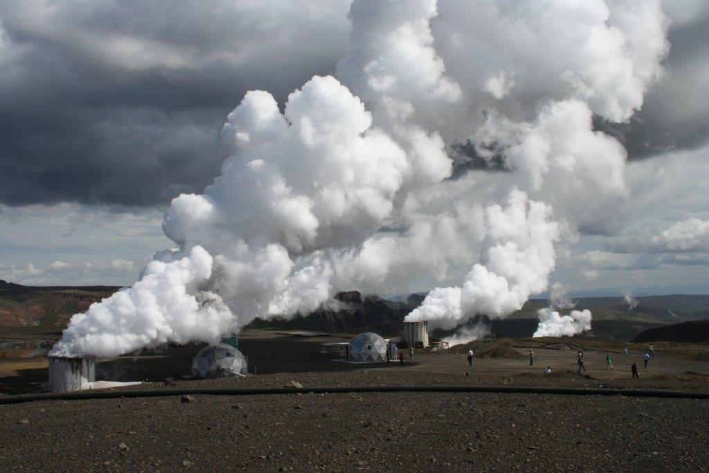Gudmundur Steingrímsson Blowing borholes in the geothermal field Hellisheidi Southwest Iceland